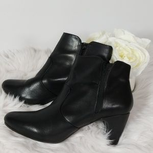 Easy Spirit Black Leather Ankle Boots Size 10 M